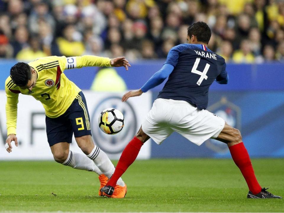 Colômbia falha penálti nos minutos finais e empata com a Austrália