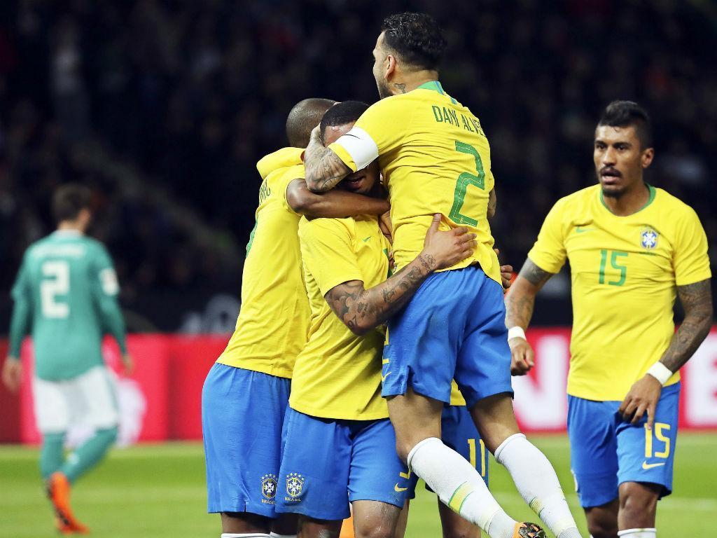 Brasil confirma: Daniel Alves está fora do Mundial