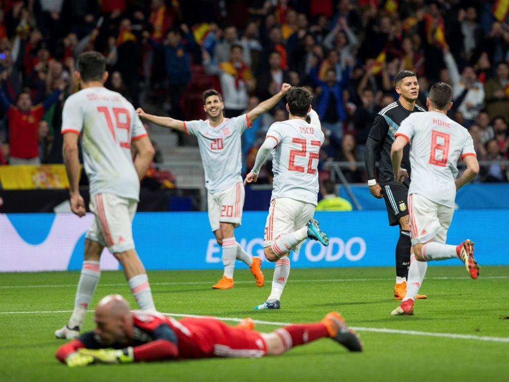 Atenção, Portugal: Espanha esmaga Argentina com hat-trick de Isco