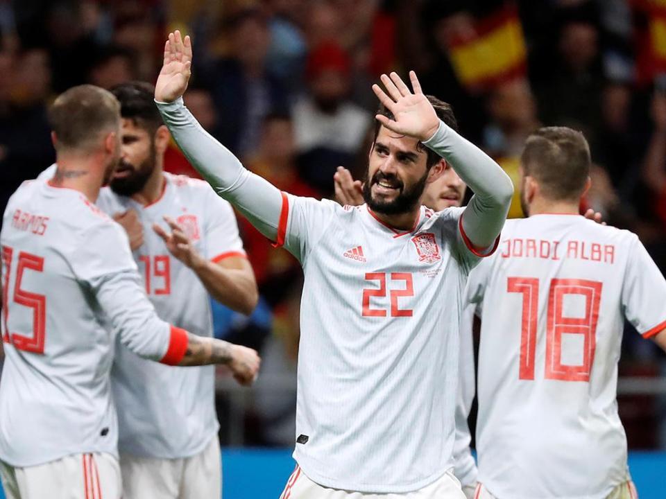 Nacho e Carvajal juntam-se aos trabalhos da seleção espanhola
