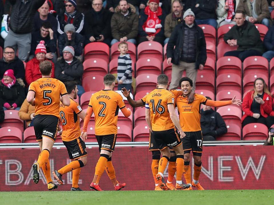 Wolverhampton sobe à Premier League