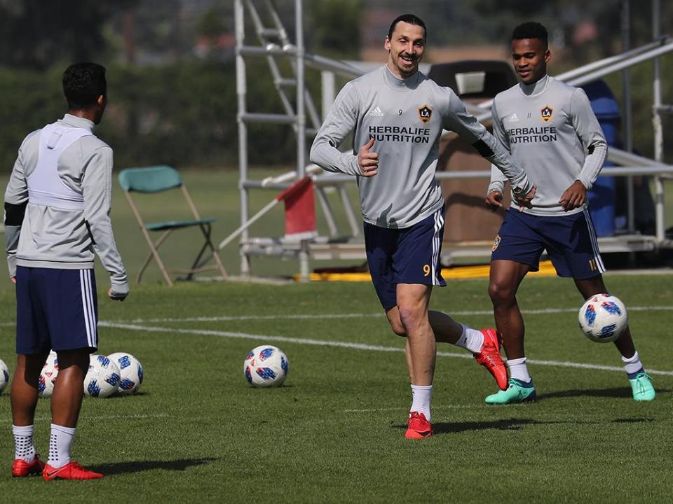 Ibra: «Golo do Ronaldo foi bom mas devia tentar o mesmo a 40 metros»