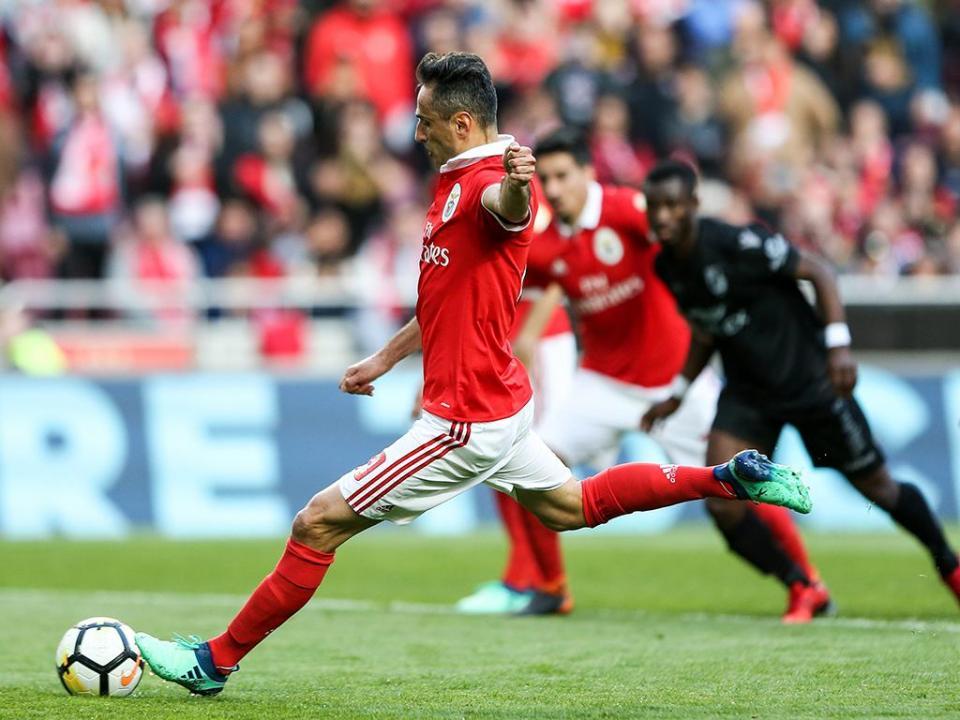Benfica: Jonas tem cervicalgia
