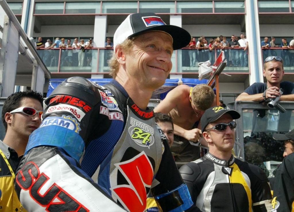 Kevin Schwantz regressa às pistas com uma Moto2