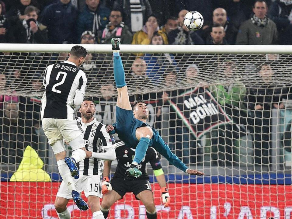 0cc16ce559 UEFA  Cristiano Ronaldo ganha prémio de melhor golo
