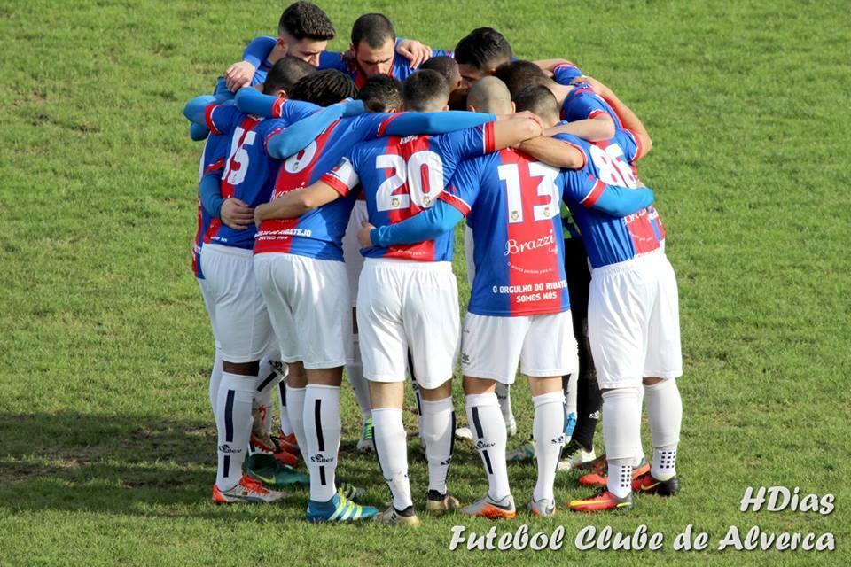 Alverca pede reunião urgente com FPF por causa dos treinadores