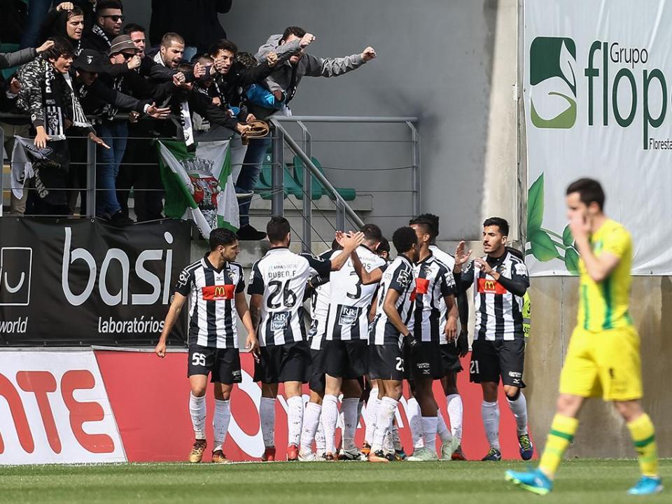 Portimonense: Fernandinho cedido ao Penafiel
