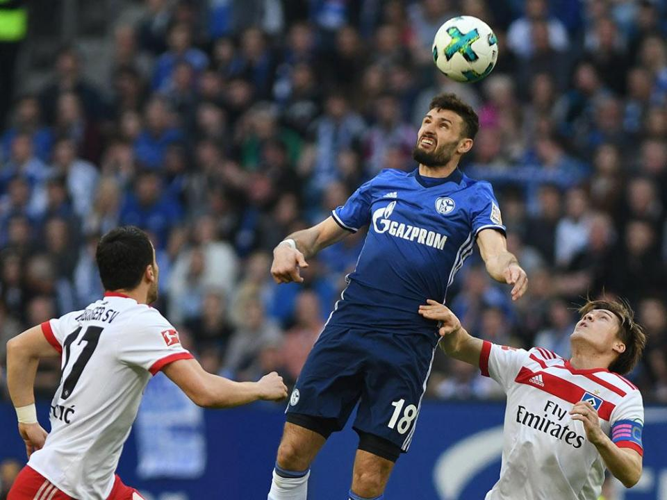 Surpresa: Schalke perde na visita ao último classificado