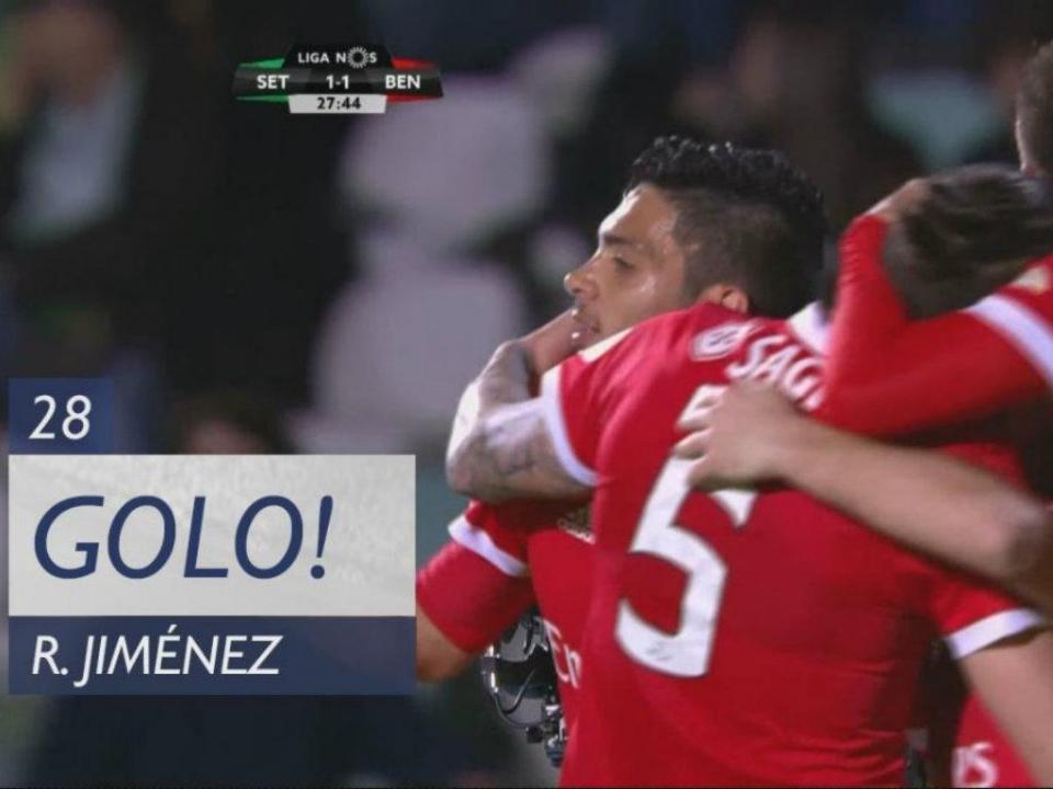 VÍDEO: Raúl Jiménez ao segundo poste para dar o empate ao Benfica
