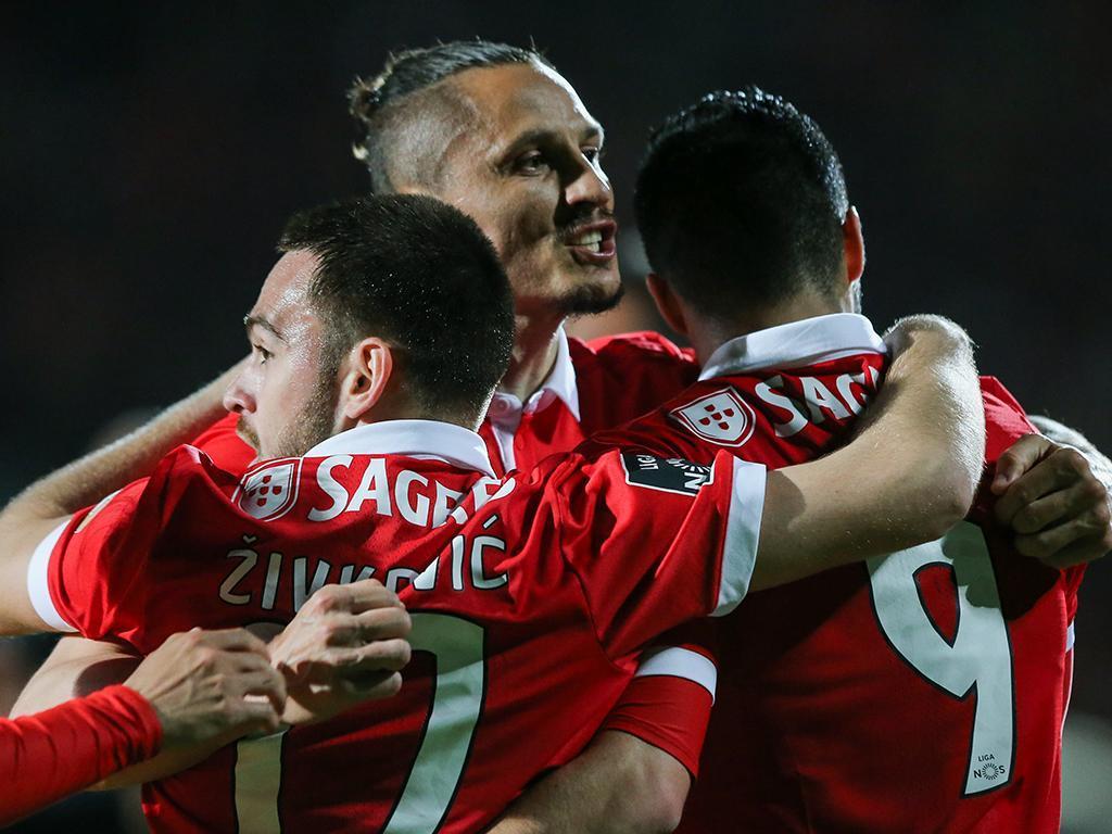Benfica anuncia cinco jogadores no Mundial, sem Fejsa