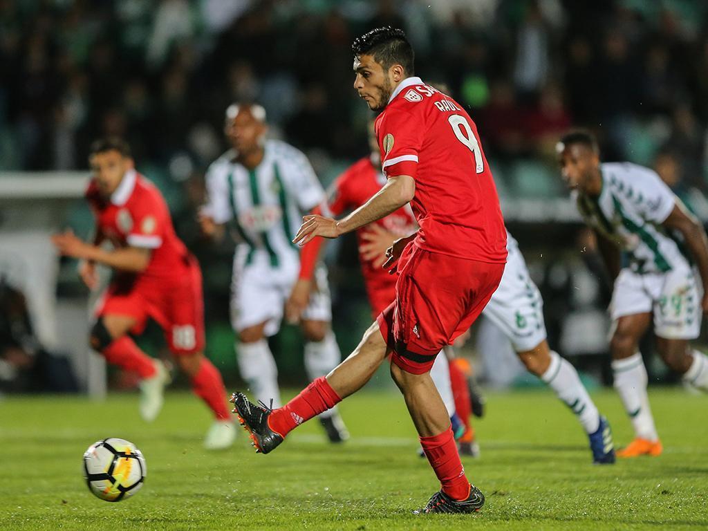 Benfica igualou Sporting no saldo de pontos nos descontos