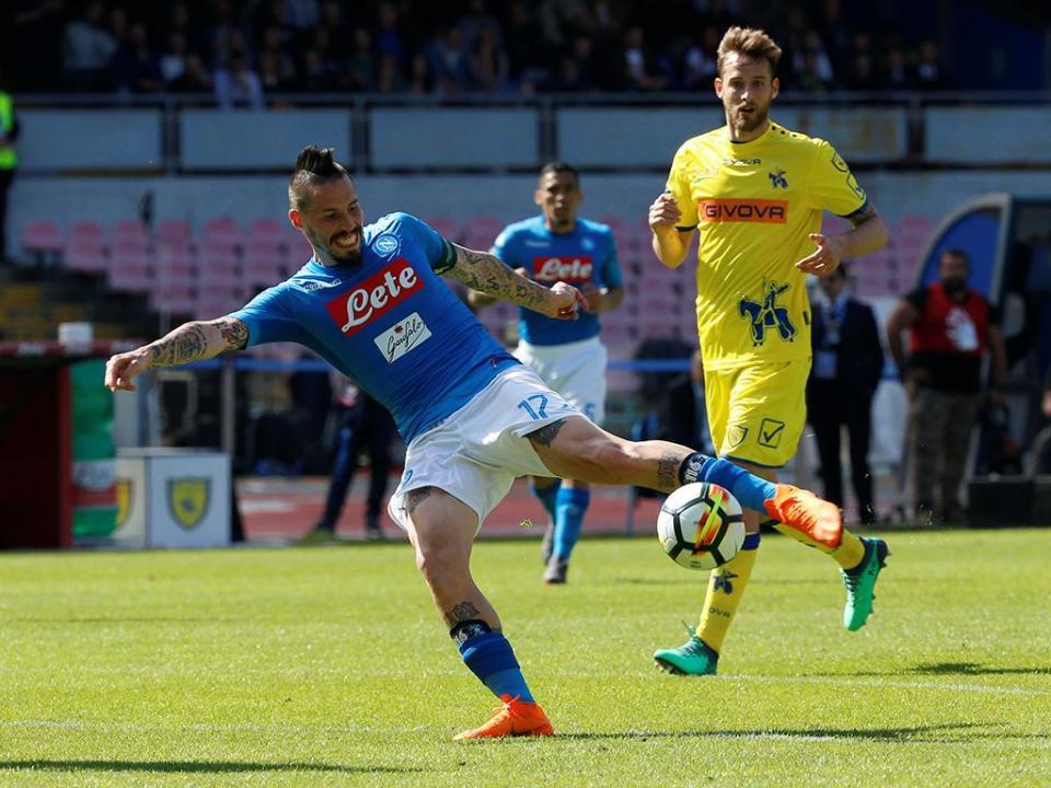 Itália: Nápoles vence com reviravolta nos instantes finais