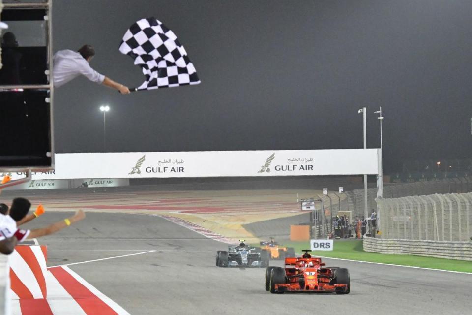 Mercedes reconhece que demorou a perceber estratégia de Vettel