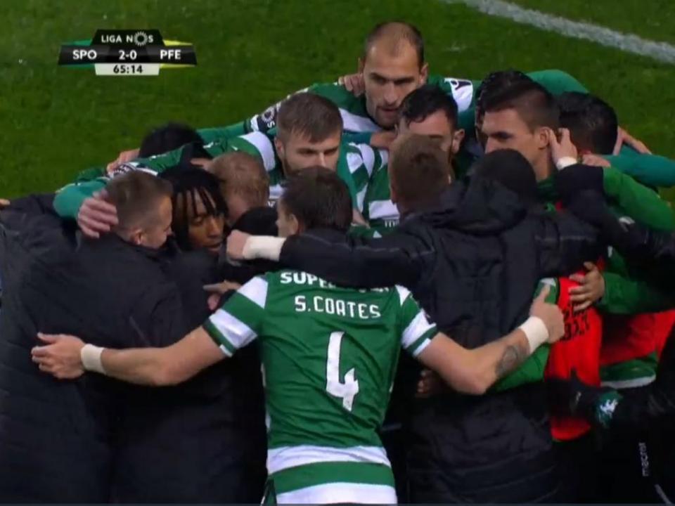 VÍDEO  jogadores do Sporting unem-se a festejar segundo golo ... b2c846f7c0306