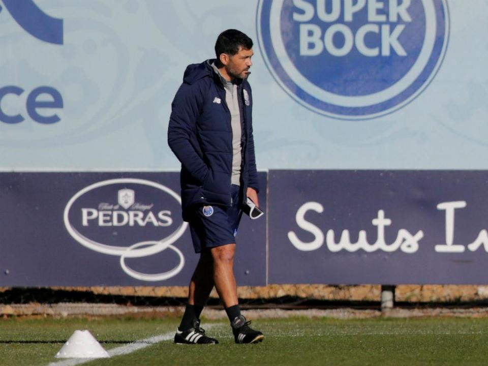 FC Porto continua preparação para o Feirense com duas baixas