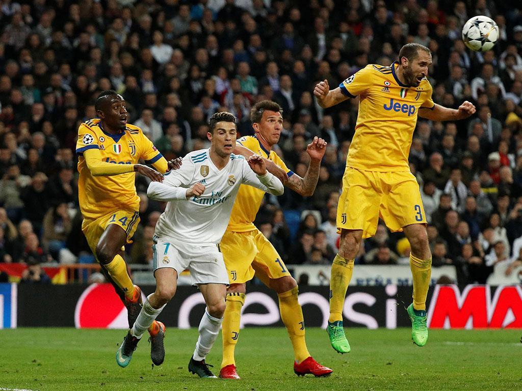 Confusão junto aos balneários no final do Real Madrid-Juventus