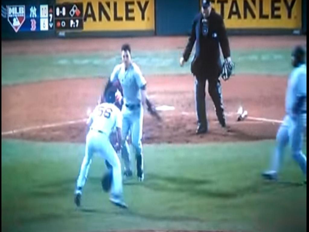 VÍDEO: cenas de pancadaria em jogo da MLB
