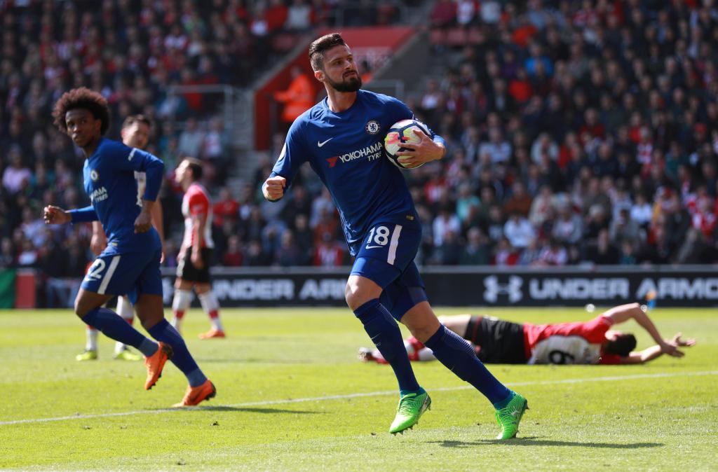 Cédric perde com o Chelsea depois de ter estado a vencer 2-0