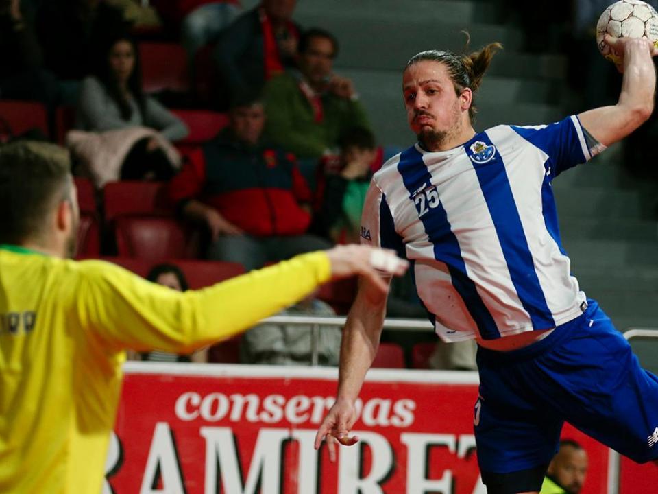 Andebol: FC Porto marca 50 golos ao Arsenal da Devesa