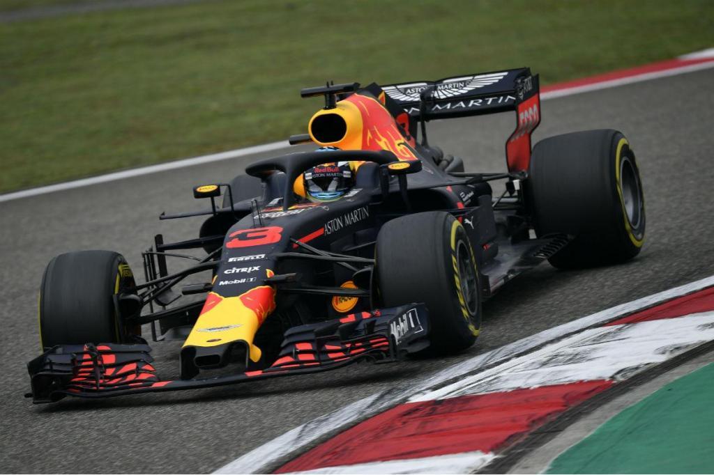 Red Bull tem golpe de mestre e Ricciardo vence na China