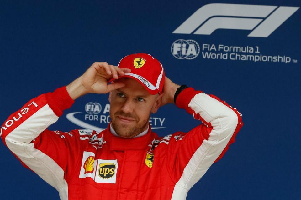 """Vettel: """"Verstappen veio logo pedir desculpa"""""""