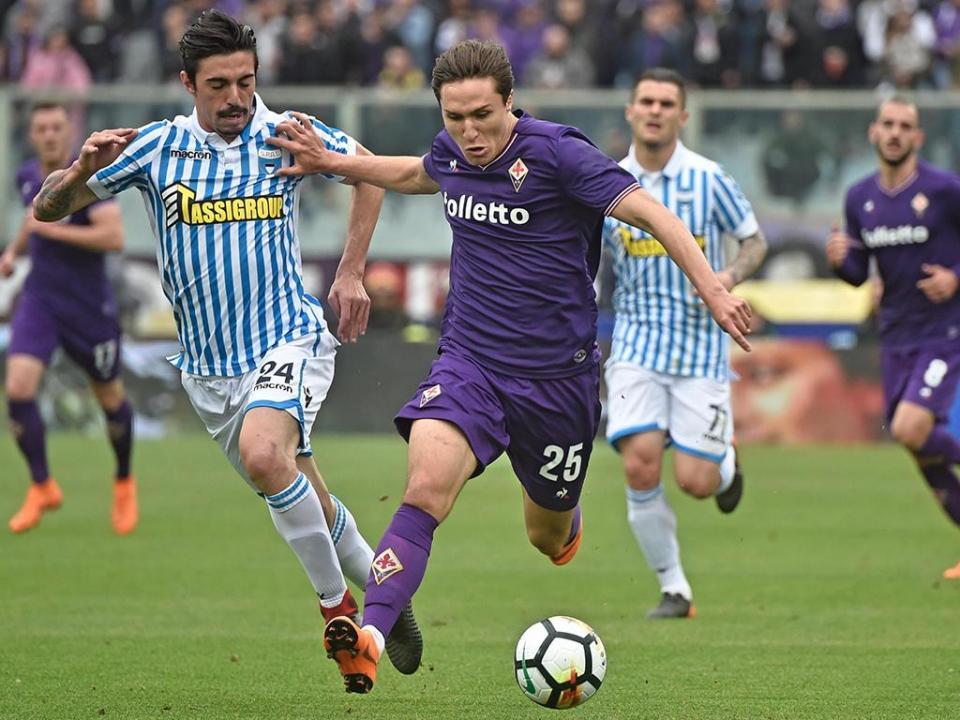 Gil Dias salta do banco mas Fiorentina marca passo na luta pela Europa