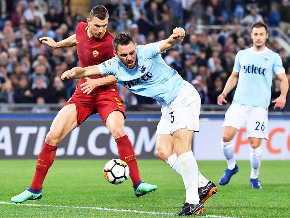 Lazio e Roma a zero no dérbi, tudo igual na corrida à Champions