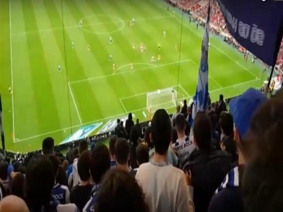 VÍDEO: adepto filmou golo de Herrera da bancada