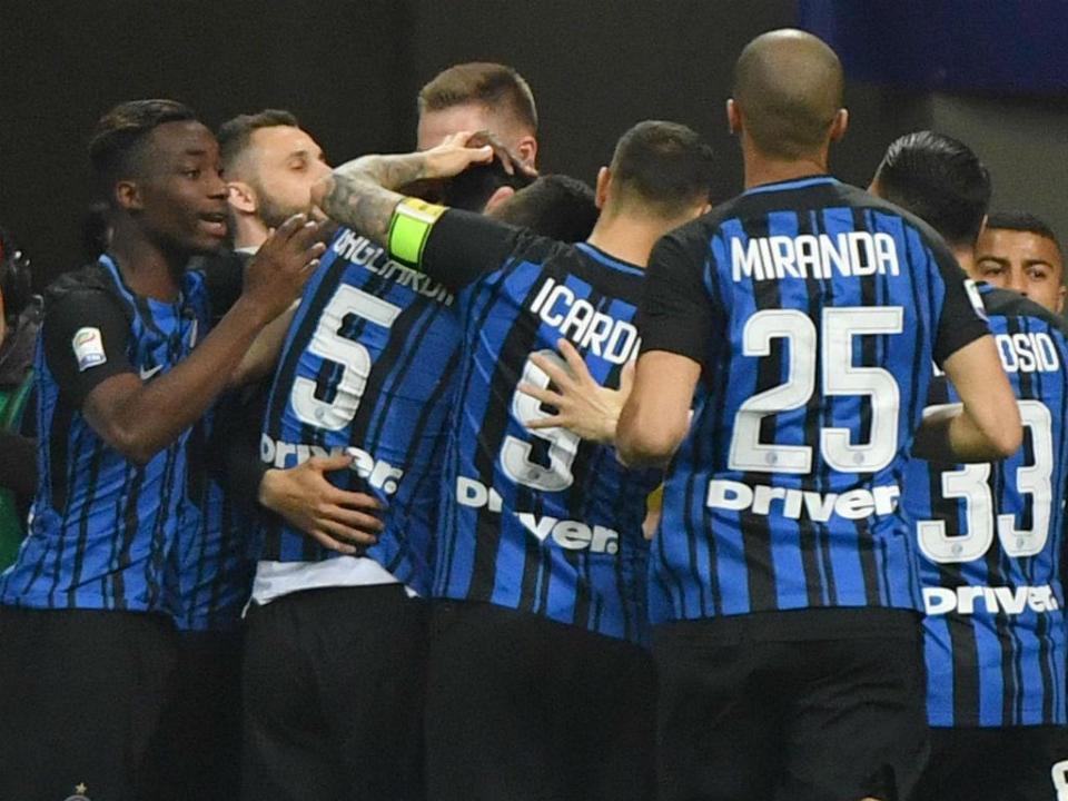 Lazio goleia Sampdoria, Inter com Cancelo vence Chievo
