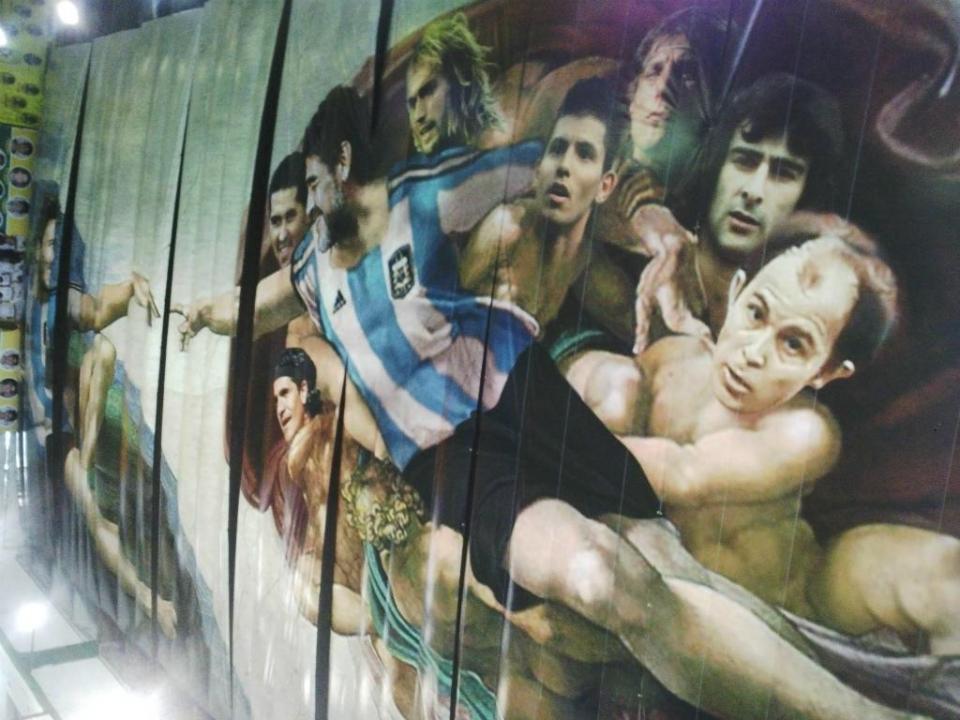 VÍDEO: Messi e Maradona na «Capela Sistina do futebol»