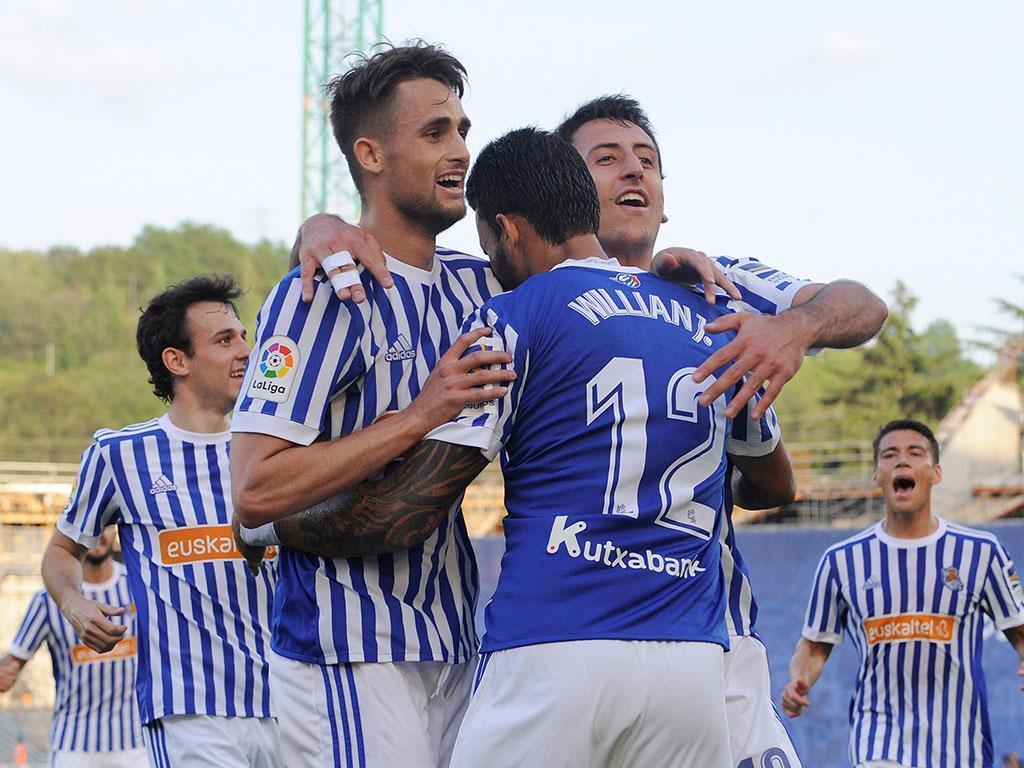 Dois autogolos de San José entregam vitória à Real Sociedad no dérbi basco