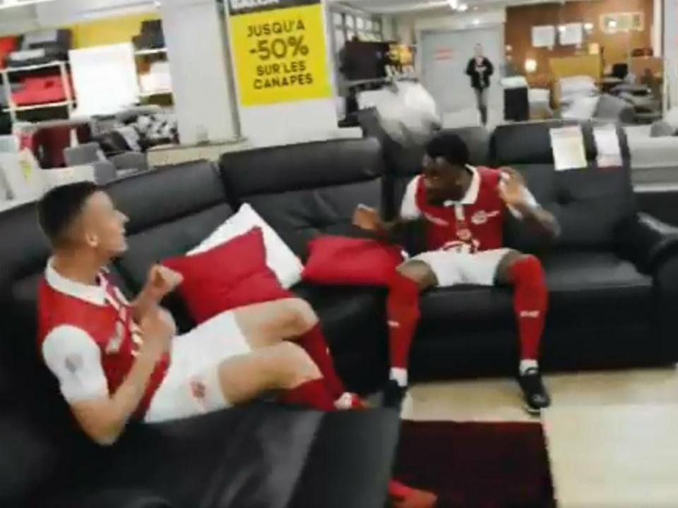 VÍDEO: Stade de Reims toma de assalto patrocinador da Liga