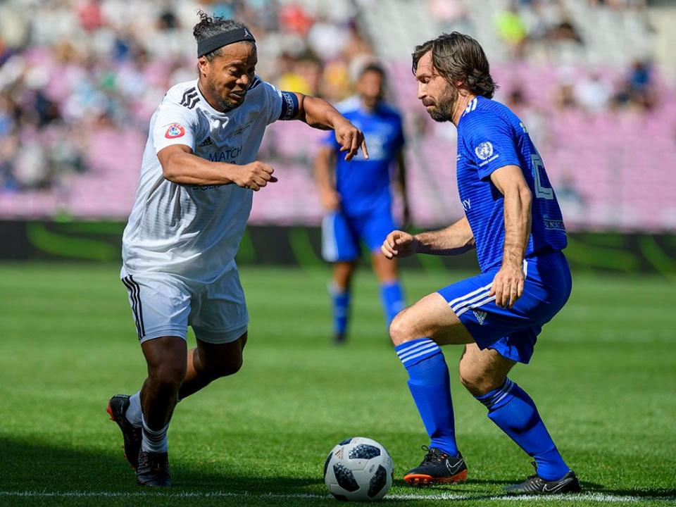 Ronaldinho: «Palestra? Nem quando jogava prestava atenção»