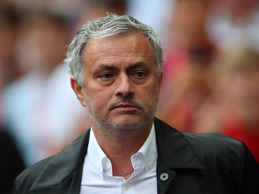 Inglaterra: Mourinho nomeado de novo para treinador do mês
