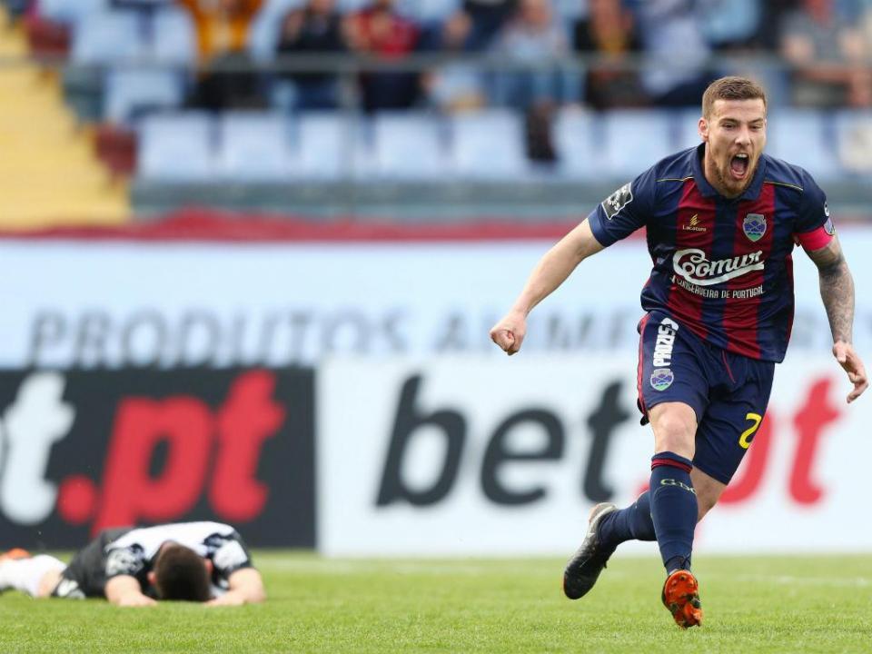 Desp. Chaves negoceia saída de Tiba para o Lech Poznan