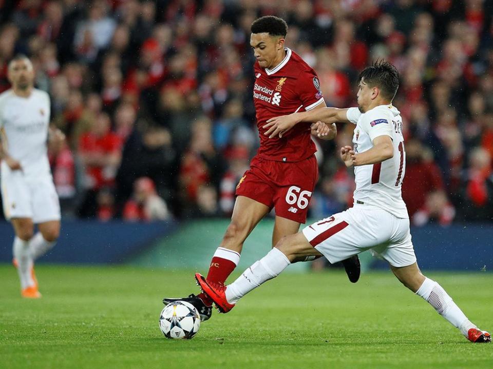 LC: defesa do Liverpool diz que Ronaldo também tem «pontos fracos»