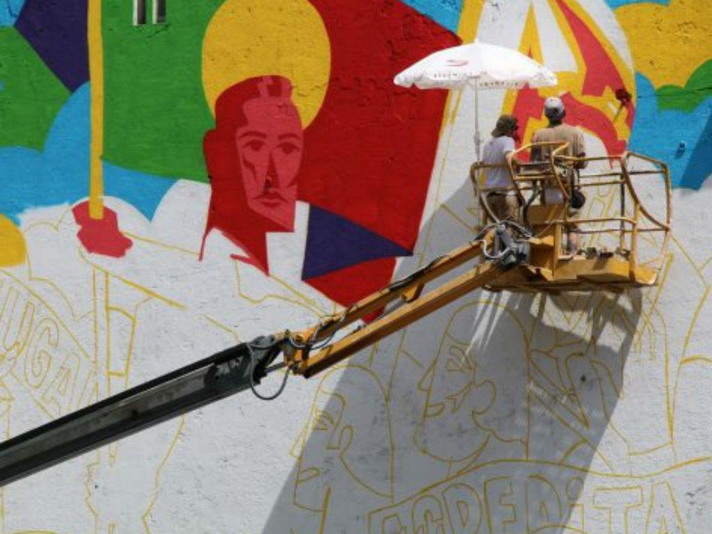 FPF promove pintura de murais para apoiar a seleção