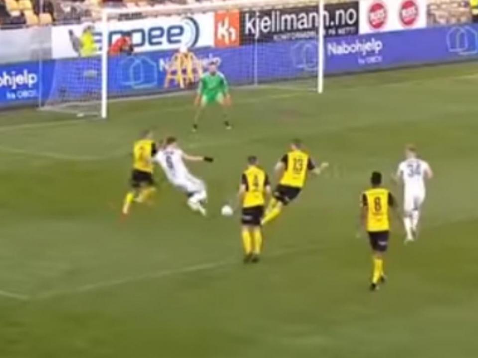 VÍDEO: Bendtner (lembra-se?) marca golaço e resolve Supertaça da Noruega
