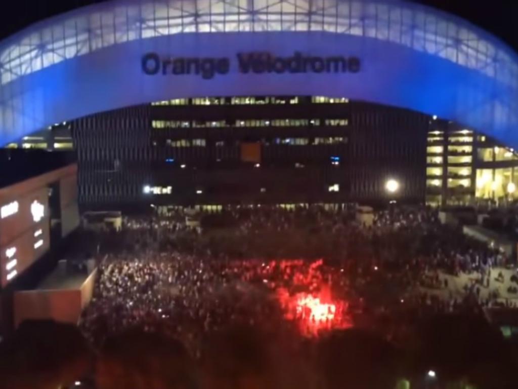 VÍDEO: multidão em festa em Marselha depois da vitória frente ao Salzburgo