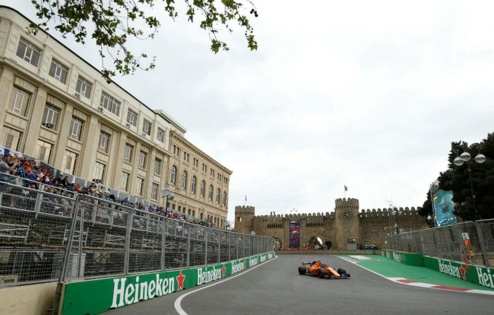 GP do Azerbaijão: Alonso e Magnussen eliminados na Q2