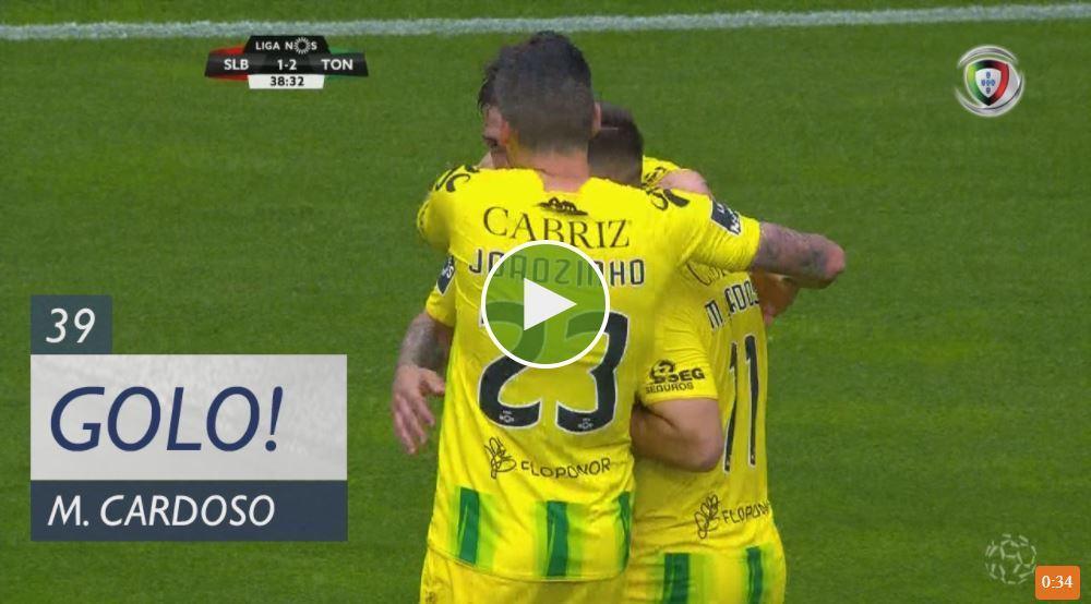 VÍDEO: bis de Miguel Cardoso gela o Estádio da Luz antes do intervalo