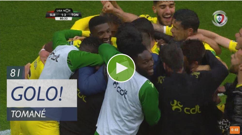 VÍDEO: Tomané humilhou Luisão e fuzilou Varela para o terceiro na Luz