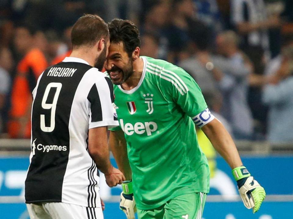 VÍDEO: a entrada emocionante de Buffon no último jogo pela Juve