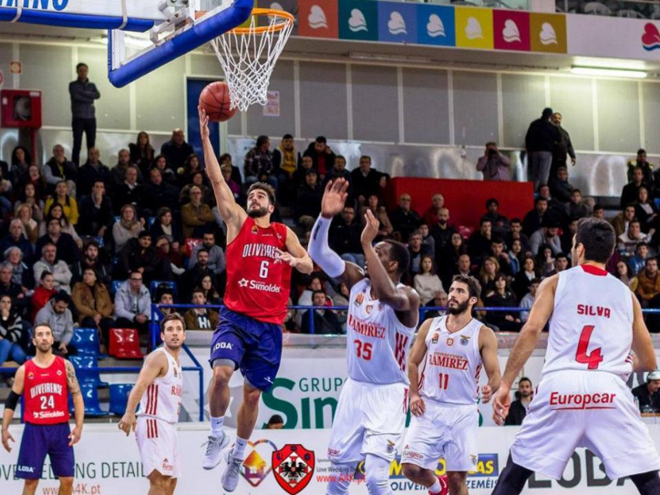 Basquetebol: Oliveirense vence CAB Madeira e assume segundo lugar