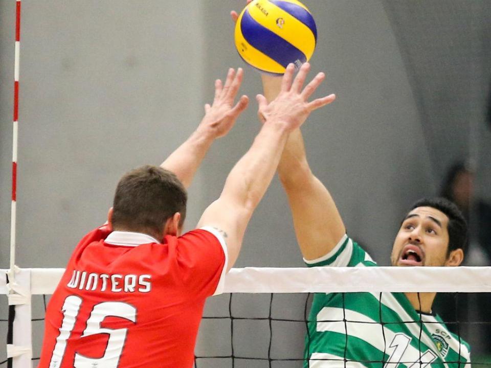Voleibol: Benfica desperdiça vantagem nos Açores e Sporting é líder