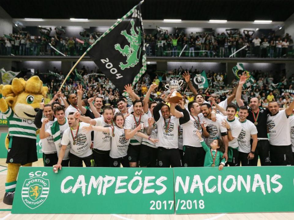 Voleibol: Sporting renova contrato com Hugo Silva