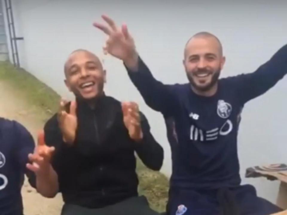 VÍDEO: plantel do FC Porto em churrasco pede a Casillas para ficar
