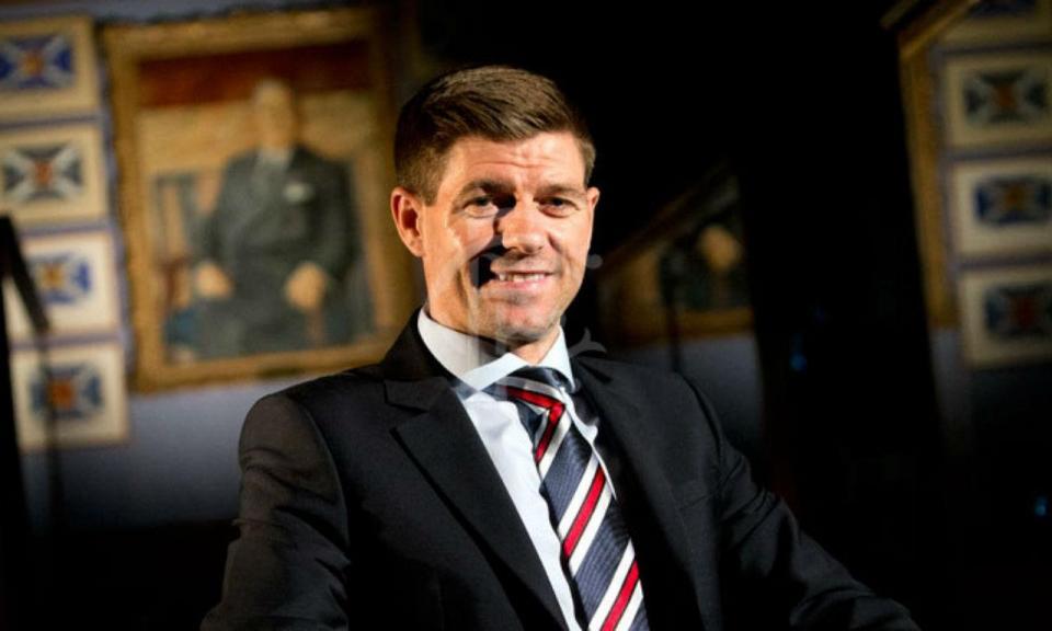 Gerrard estreia-se com empate no comando técnico do Rangers
