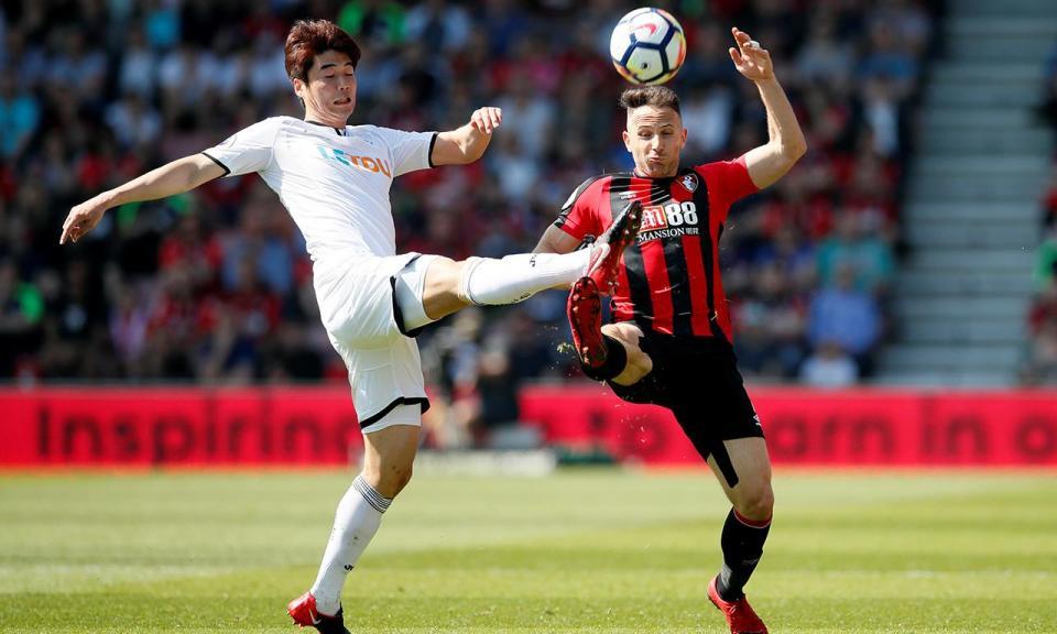 Internacional coreano anuncia saída do Swansea de Carvalhal