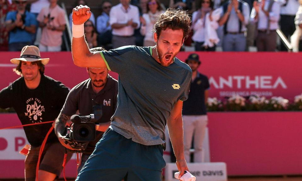 Roland Garros: João Sousa na terceira ronda de pares